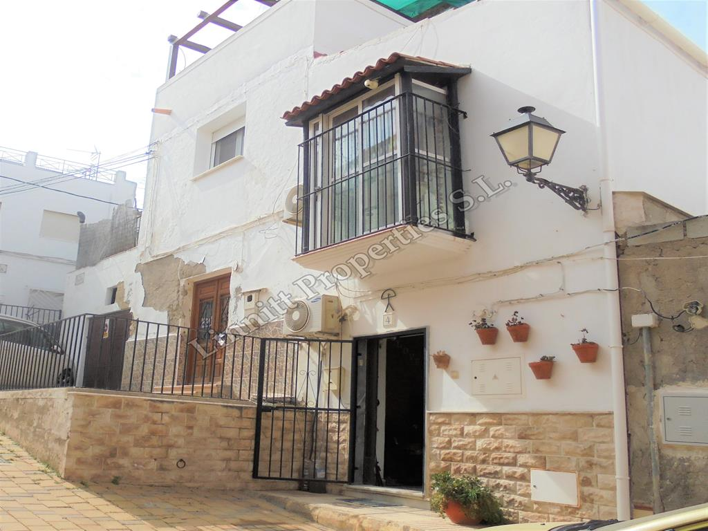 Townhouse in Turre REF: A1635